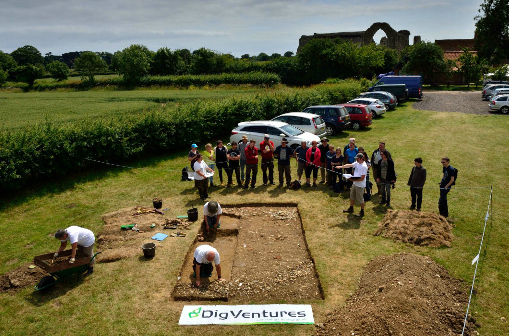 DigVentures_trench_at_Leiston_Abbey.jpg